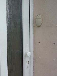 Now here's a creative way to recycle older technology. A fashionable Mouse Doorbell.